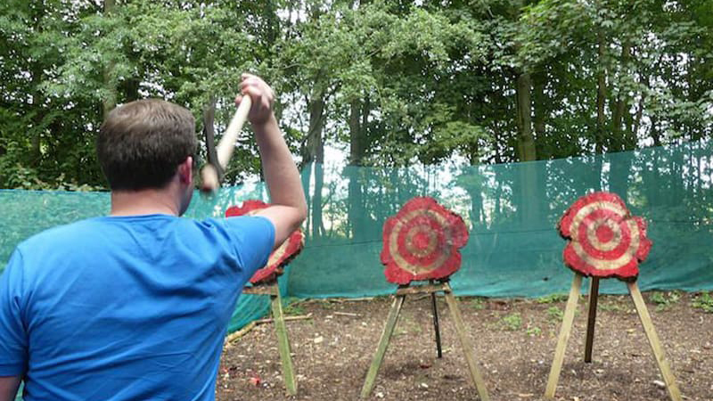 Fun Thrills Weert | Axe Throwing - Bijlgooien